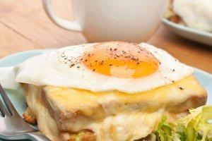Grzanki, tosty i zapiekanki - nie tylko z serem