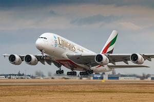 Linie Emirates szukają członków załogi. Oferują wynagrodzenie wolne od podatku i mieszkanie w Dubaju