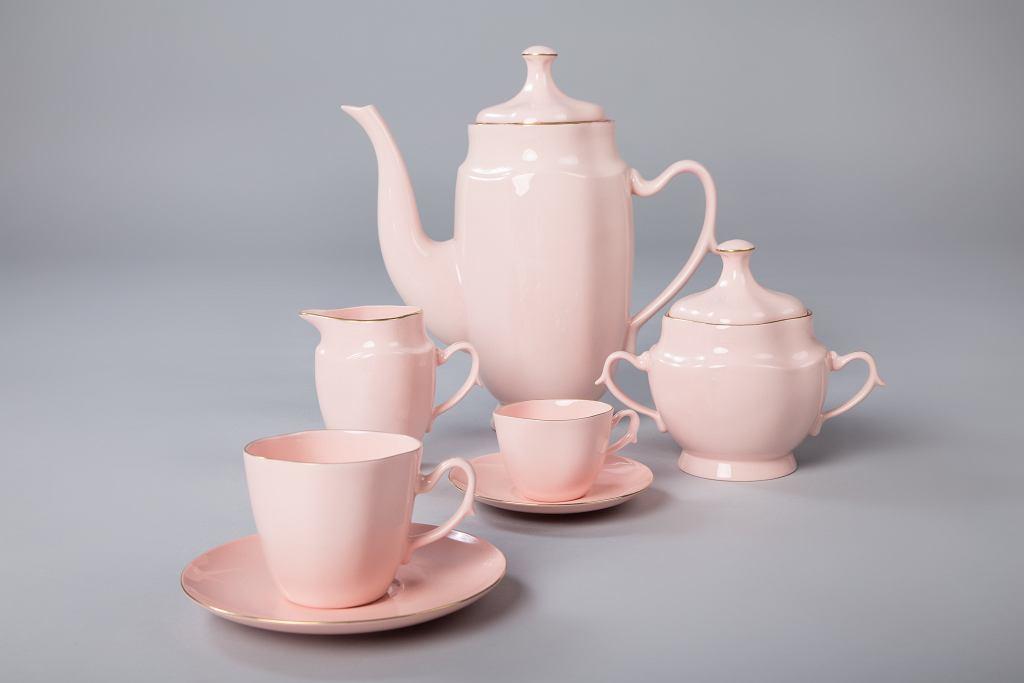 Serwis Anna Maria z różowej porcelany Kazimierz Czuba 2015