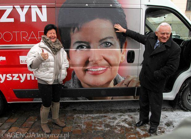 Joanna Senyszyn i Leszek Miller ochrzcili mobilne biuro europosłanki