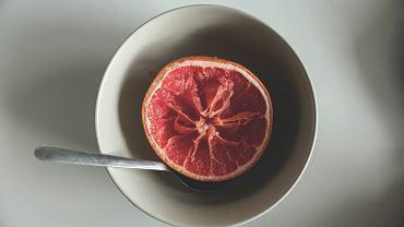 Jeśli chcesz spalić zbędne kalorie, nie unikaj posiłków