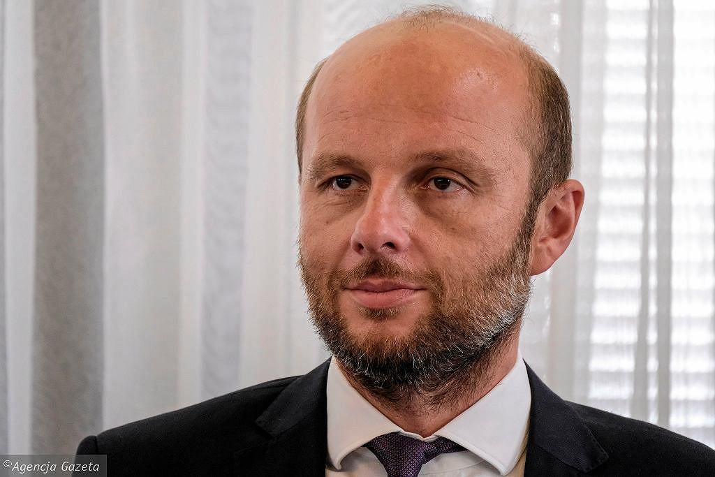 Konrad Fijołek wygrywa wybory prezydenckie w Rzeszowie. Wewnętrzny sondaż PO