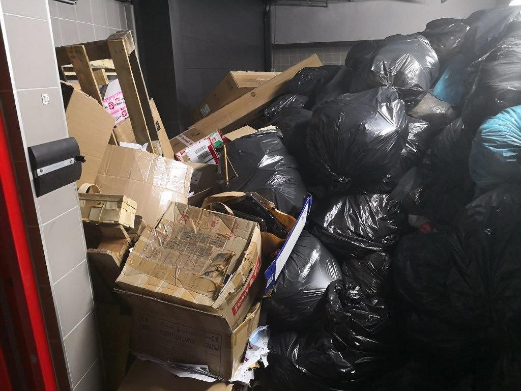 Problem ze śmieciami na Mokotowie. Ul. Domaniewska