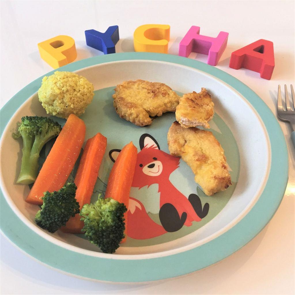 Cytrynowe nuggetsy z Kurczak Zagrodowy z jaglanymi pulpecikami i warzywami