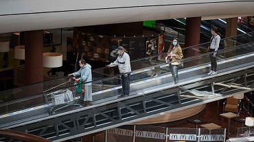 Do pracy wróci nawet 500 tysięcy osób zatrudnionych w galeriach handlowych