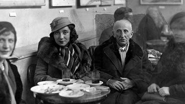 Bolesław Leśmian w kawiarni wraz z córką