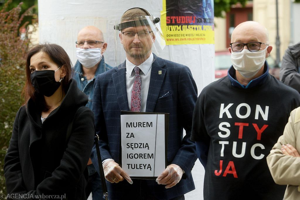 Spotkanie w obronie sędziego Igora Tulei przed Sądem Rejonowym w Olsztynie