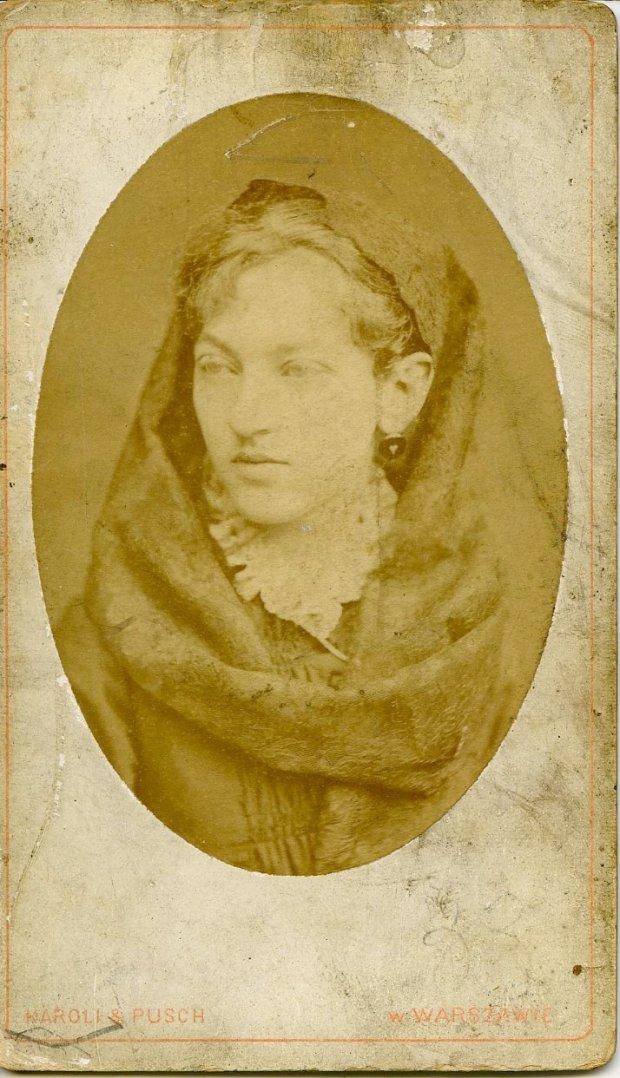 Maria Jadwiga Strumff, lata 80. XIX w. Zakład fotograficzny Karoli i Pusch, Warszawa (1876-1892).
