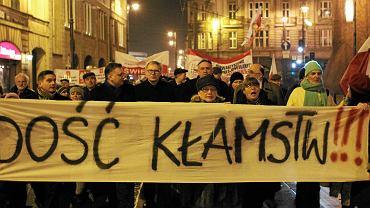 Marsz środowisk prawicowych w obronie wolności mediów oraz przeciwko fałszerstwom wyborczym. Bydgoszcz, 13 lutego 2015 r.