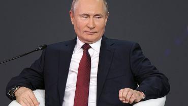 Nord Stream 2. Putin: pierwsza nitka gotowa. Gazociąg zostanie ukończony do końca roku. Na zdjęciu prezydent Rosji Władimir Putin na Międzynarodowym Forum Ekonomicznym w Petersburgu (4 czerwca 2021 r.)
