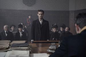 """Powrót """"Va banque"""", serial o Piłsudskim i """"The Voice Senior"""". Czym TVP chce przyciągnąć widzów zimą"""