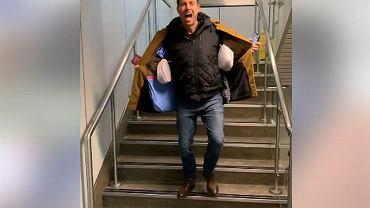 Pasażer z Wielkiej Brytanii przechytrzył linie lotnicze Ryanair i obszedł ich nową politykę bagażową