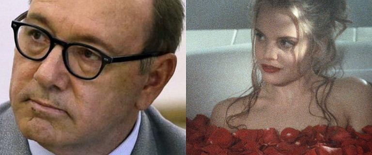 """Aktorka z """"American Beauty"""" pracę z Kevinem Spaceyem. """"Zaprowadził mnie do pustego pokoju"""""""