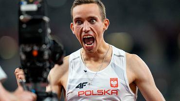 Patryk Dobek zachwycił! Polak w fenomenalnym stylu pobiegł po medal na 800 metrów