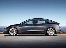 W autach marki Tesla pękają szyby. Nic się nie stało, mówią właściciele