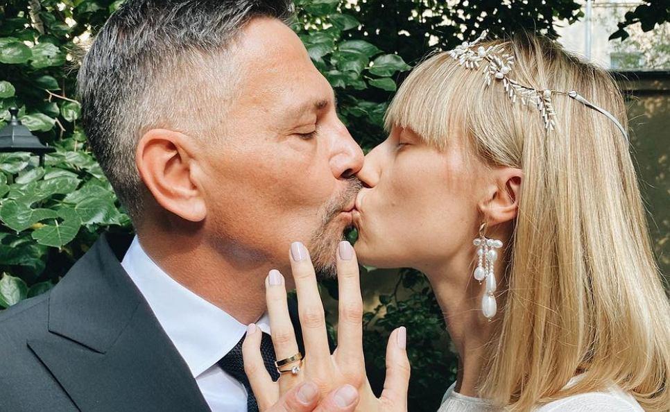 Krzysztof Ibisz pokazał zdjęcia ze ślubu i zdradził szczegóły. Gościom zabrano telefony (zdjęcie ilustracyjne)