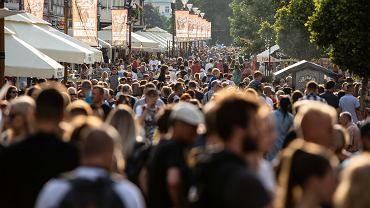 Gdzie ten dystans, gdzie pandemia? 23.07.2021, Lublin. 11 edycja festiwalu Carnaval Sztukmistrzów.