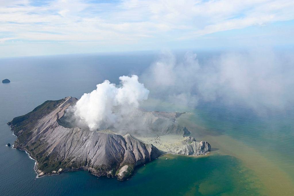 Wybuch wulkanu na nowozelandzkiej wyspie White.