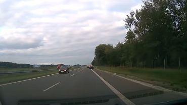 Kadr z filmu nagranego w niedzielę przez jednego z kierowców podróżujących S5