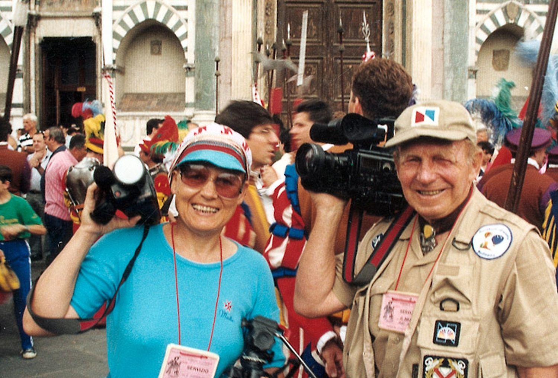 Elżbieta Dzikowska i Tony Halik (fot. Archiwum Elżbiety Dzikowskiej / Wikimedia Commons)
