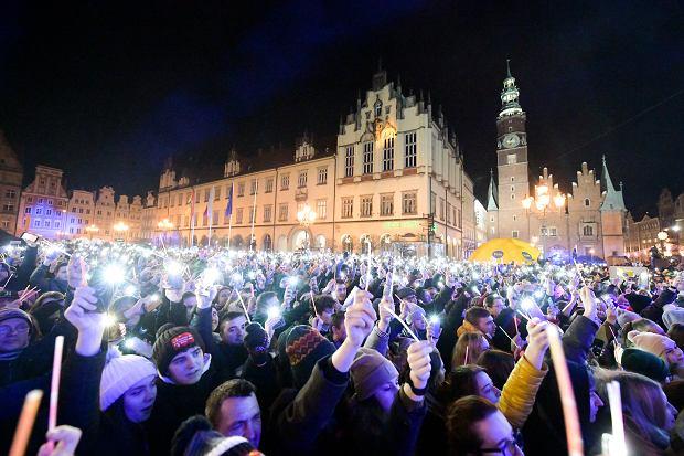 Zdjęcie numer 1 w galerii - Burzliwy rok 2020. Wrocław i Dolny Śląsk w obiektywie naszych fotoreporterów [ZDJĘCIA]