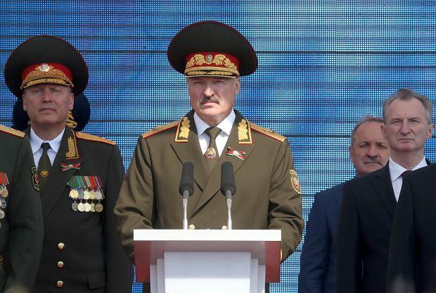 Aleksander Łukaszenka na paradzie z okazji obchodów Dnia Niepodległości w Mińsku