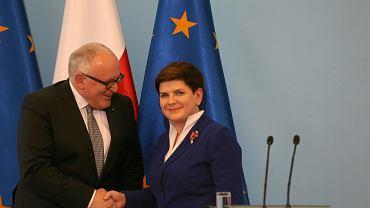 Maj 2016, Beata Szydło i pierwszy wiceprzewodniczący Komisji Europejskiej Frans Timmermans po spotkaniu dotyczącym kryzysu konstytucyjnego w Polsce