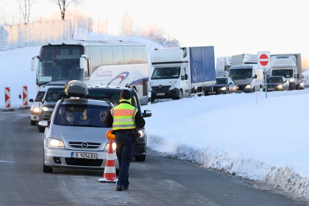 Z powodu pojawienia się mutacji koronawirusa w Tyrolu, Niemcy znowu zamknęli granice.