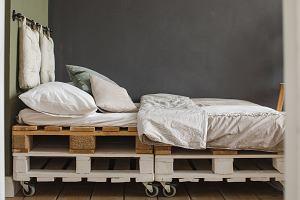 Łóżko z palet - jak zrobić je samodzielnie? Instrukcja