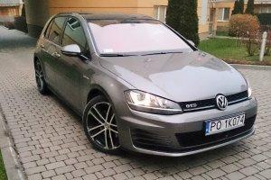 Ile kosztuje nowe auto? Jak długo pracują na VW Golfa Europejczycy?