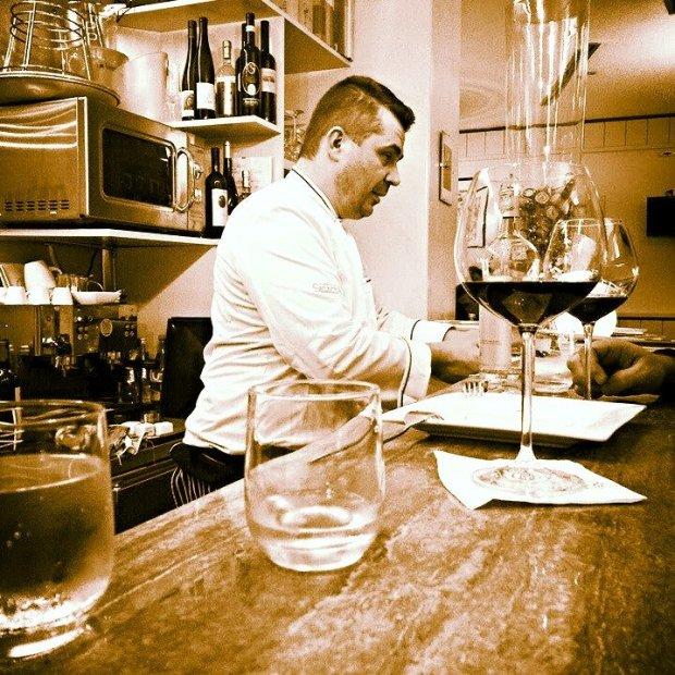 Nestor Grojewski w swoim wine barze Cru.dop