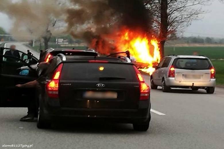 Pożar samochodu na DK 81
