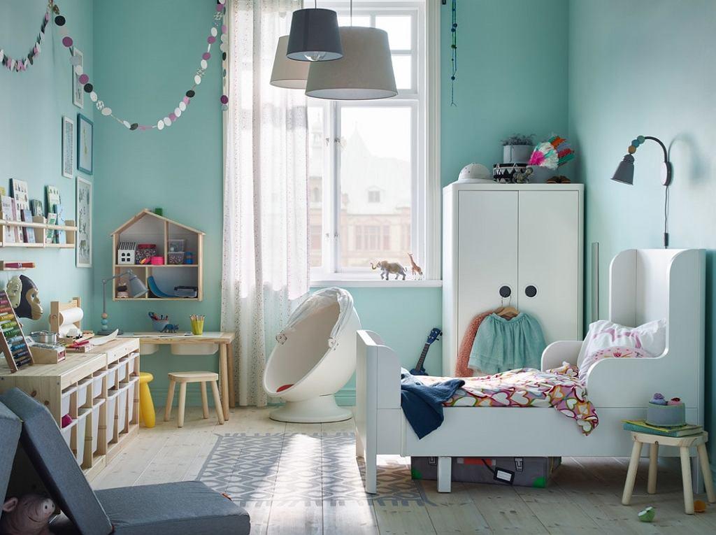 Białe meble dla dzieci - pastelowa aranżacja