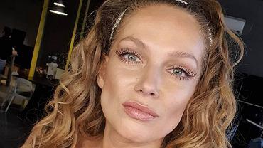 Joanna Liszowska pokazała się bez makijażu i z odrostami. ''Tak, tak, siwe. So what?''