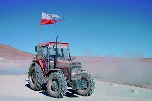 Traktorem przez świat