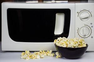 Mikrofalówki można użyć nie tylko do podgrzewania jedzenia. Oto kilka zastosowań, których mogliście nie znać