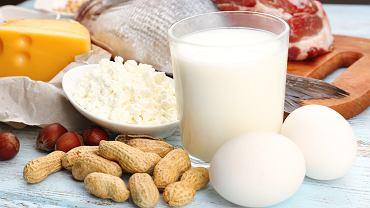 Białko odrywa ważną rolę w prawidłowym funkcjonowaniu organizmu. Odpowiednia jego ilość zapewnia prawidłowy rozwój, buduje mięśnie i kości, wchodzi w skład komórek naszego ciała.