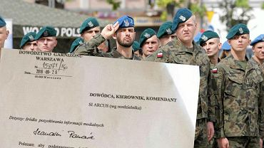 Generał polecił żołnierzom oglądać TVP Info