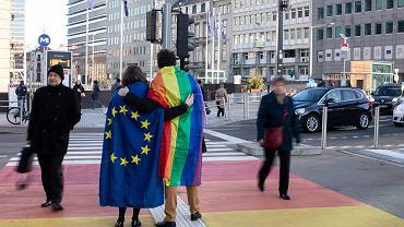 Unia Europejska tworzy strategię równości dla osób o różnych orientacjach seksualnych i tożsamościach płciowych