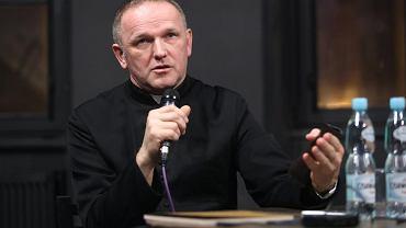 Ksiądz Wojciech Lemański zapowiada, że będzie walczył w Watykanie o cofnięcie suspensy