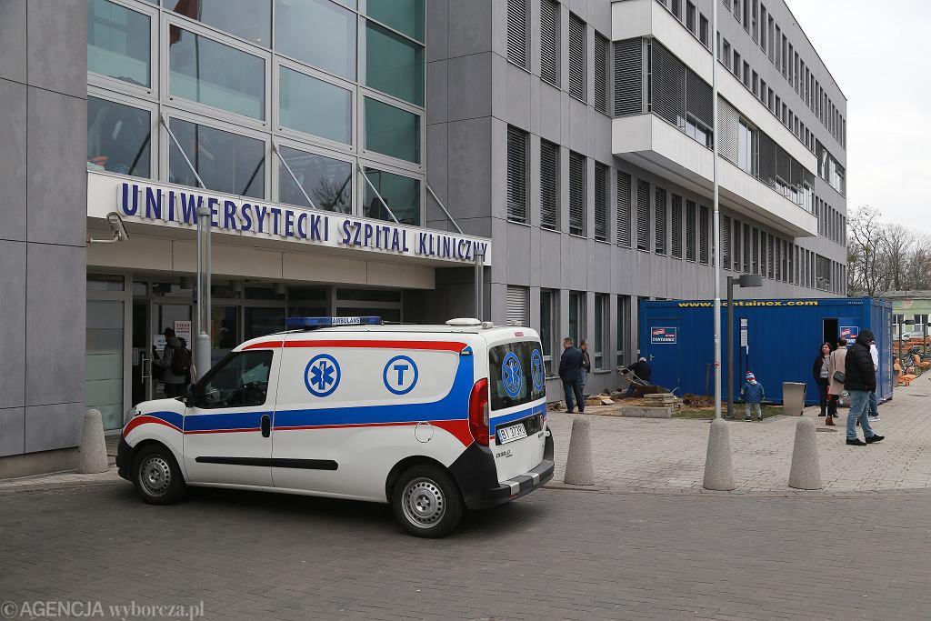 Uniwersytecki Szpital Kliniczny w Białymstoku. Zdjęcie ilustracyjne