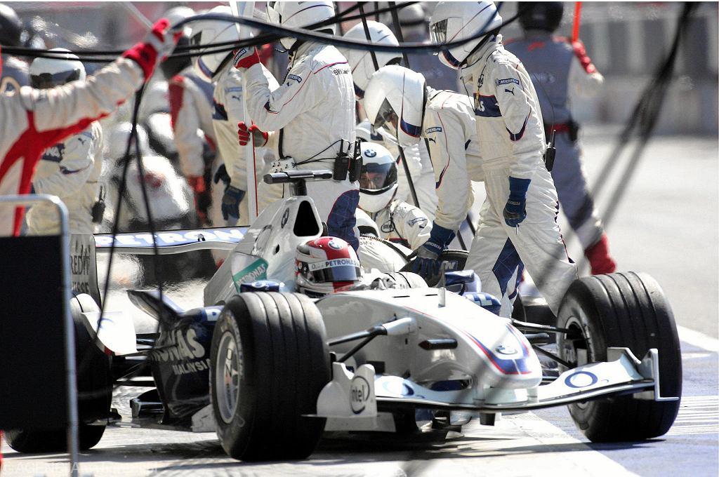 Robert Kubica w bolidzie BMW Sauber podczas Grand Prix Włoch 2006. Po tym wyścigu pierwszy raz stanął na podium. Autodromo Nazionale di Monza, 10 września 2006