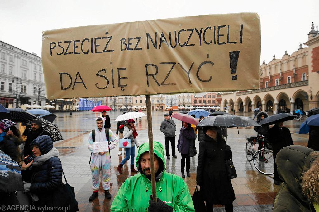 Wiec poparcia dla strajkujących nauczycieli