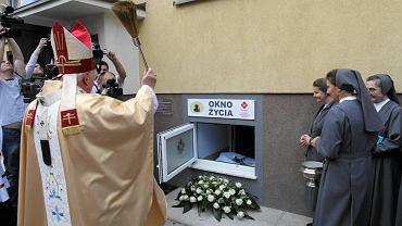 Otwarcie okna życia w Piotrkowie Trybunalskim, 11 września 2009 r.
