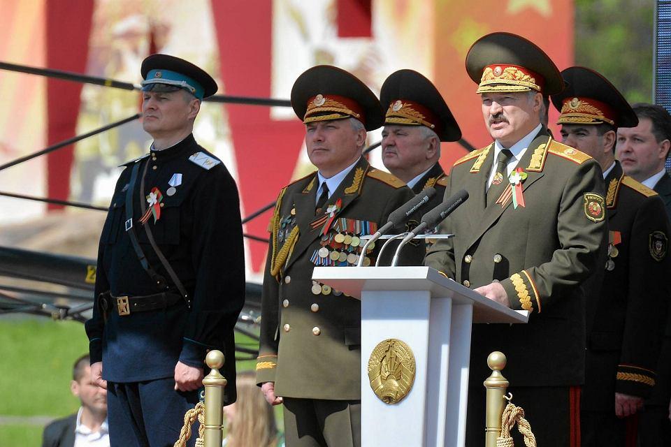 Zdjęcie numer 1 w galerii - Białoruski minister demonstruje przywiązanie do tradycji stalinowskiej bezpieki