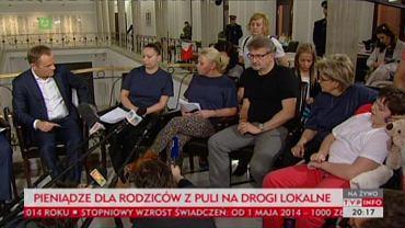 Donald Tusk na spotkaniu z rodzicami niepełnosprawnych dzieci