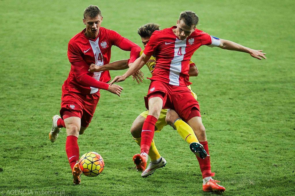 Polska - Rumunia 0:0. Z numerem 4 Tomasz Kędziora z Lecha Poznań
