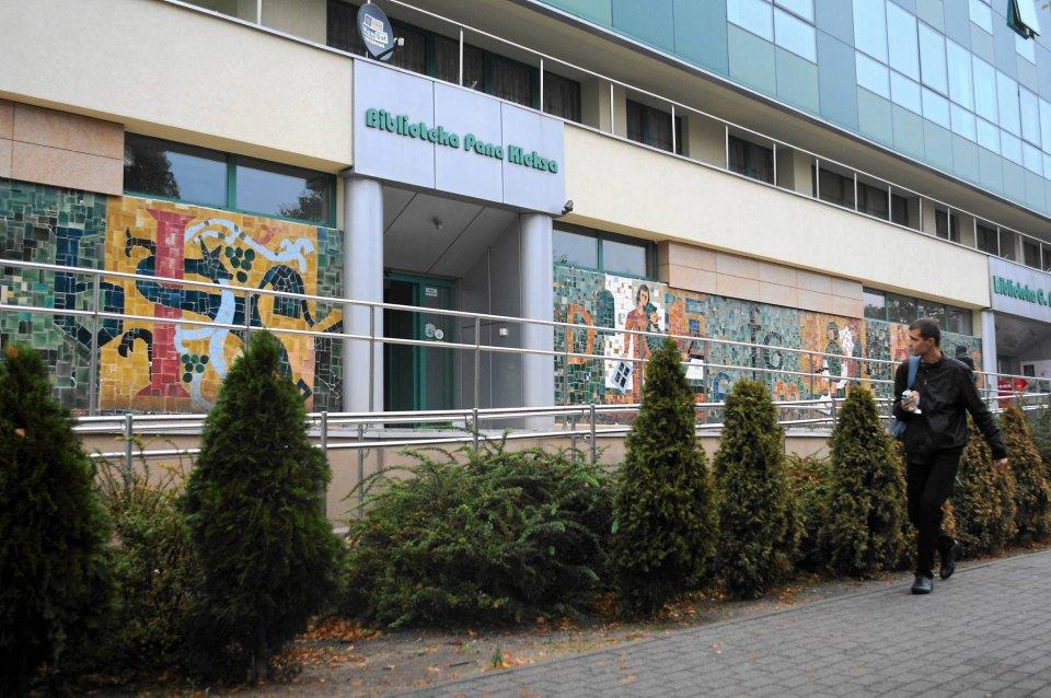 Zdjęcie numer 1 w galerii - Biblioteka Norwida chce odnowić oddział dla dzieci. Pomożesz? [ZDJĘCIA]