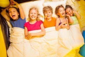 Pierwszy samodzielny wyjazd dziecka: co warto wiedzieć?