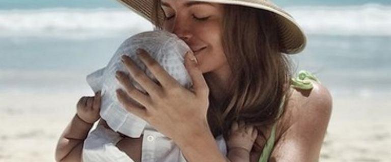 """Córka Anny Wendzikowskiej przeszła operację. Dziennikarka pokazała poruszające zdjęcie. """"Dochodzimy do siebie w domu"""""""